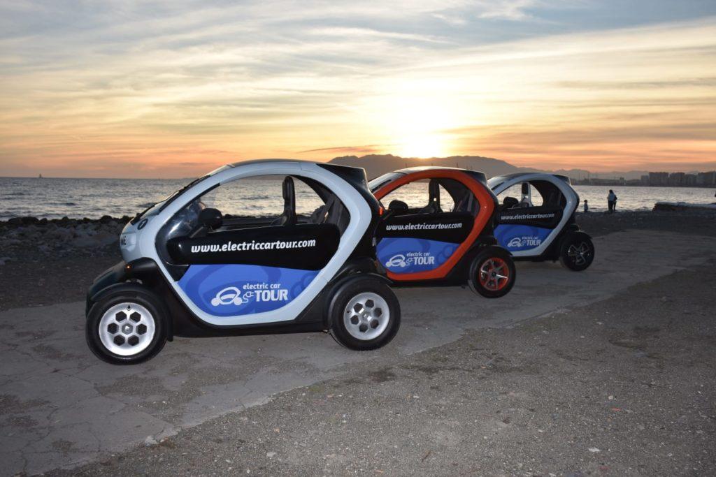 Rutas en coche eléctrico por Málaga, playa