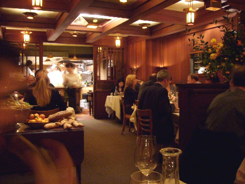 chez-panisse-restaurant-dining-room