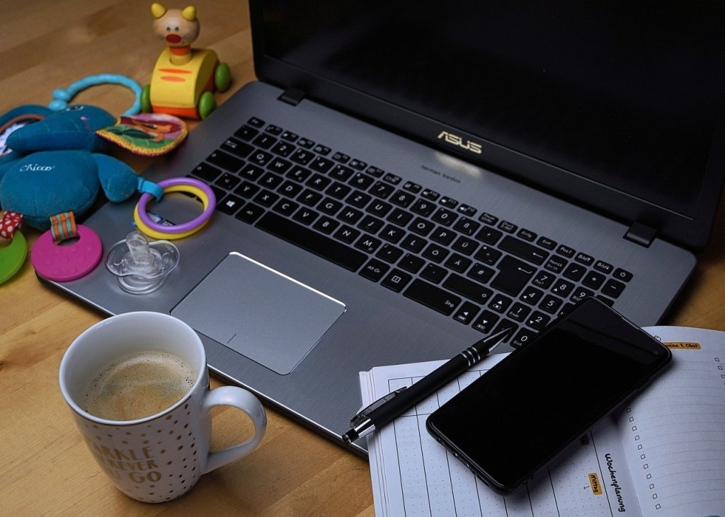 How to Boost Productivity When Working From Home With Young Children