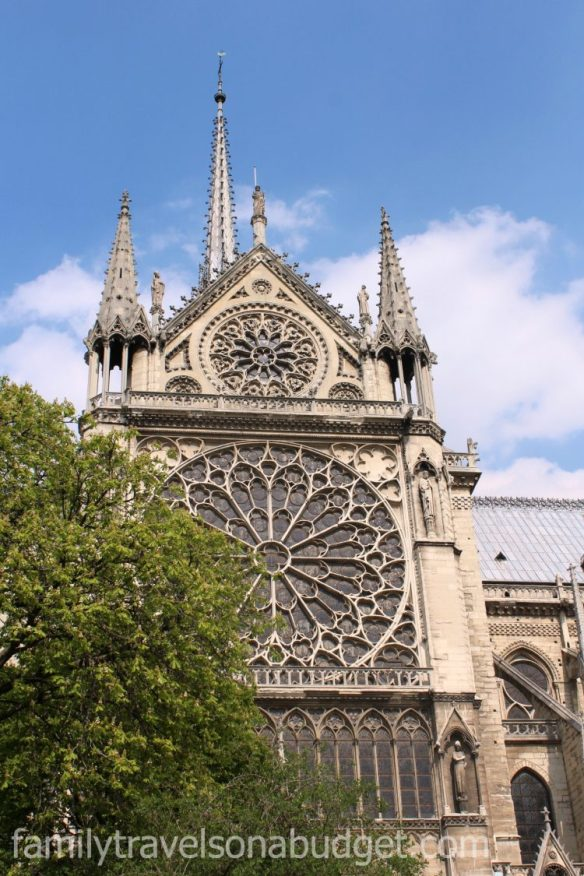 notre dame cathedral rose window