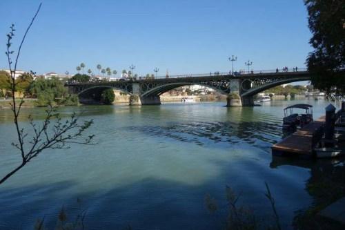Ponte Triana sul Guadalquivir