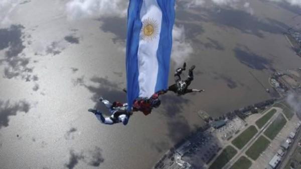 Argentina bandera caida (1)