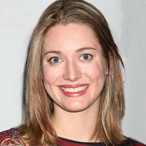 Zoe Perry Age Height Weight Wiki Boyfriend Biography Of