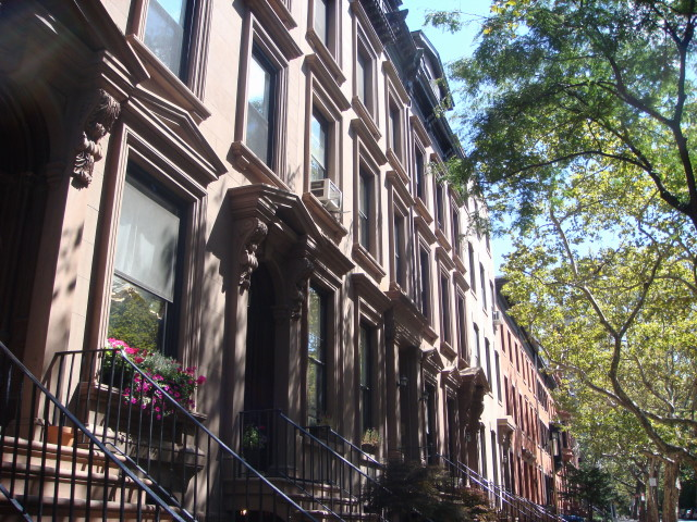 20070901-brooklyn-heights-43-remson-street-with-diff-architecture.jpg