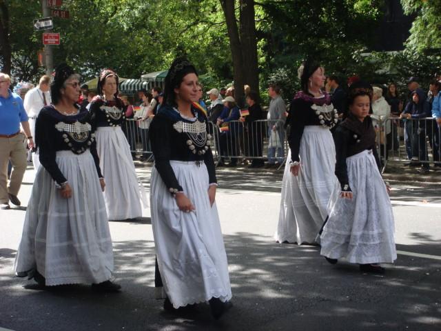 20070915-steuben-parade-34-traditional-dress.jpg