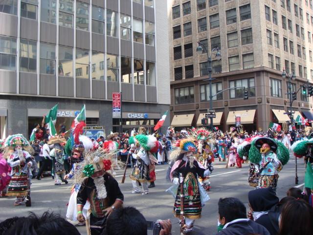 20070916-mexican-day-parade-09-dancing-conquistadors.jpg