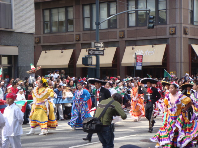 20070916-mexican-day-parade-13-dancers.jpg