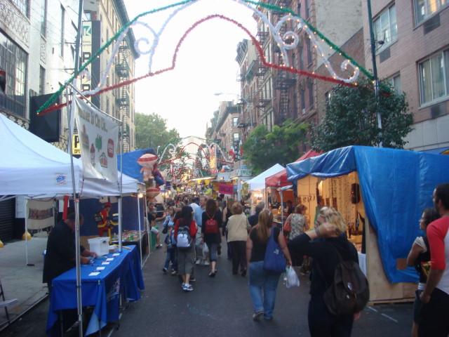 20070919-feast-of-san-gennaro-04-street.jpg