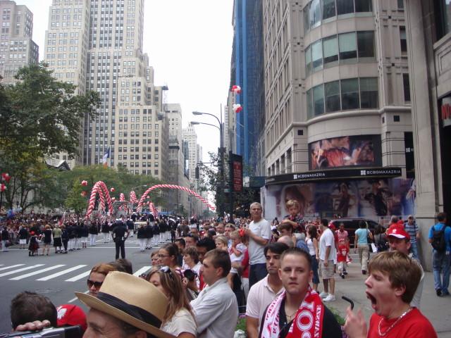 20071007-pulaski-parade-08-crowd.jpg