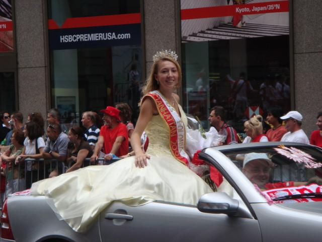 20071007-pulaski-parade-38-miss-polonia-of-manhattan.jpg