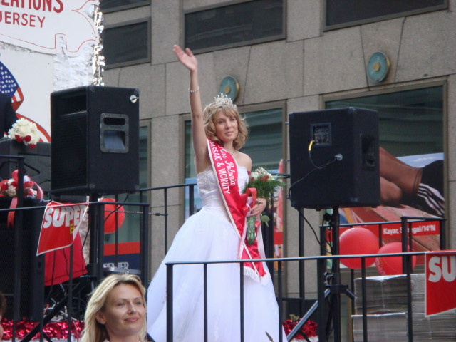 20071007-pulaski-parade-71-miss-polonia-passaic-and-vicinity-monika-pyryt.jpg