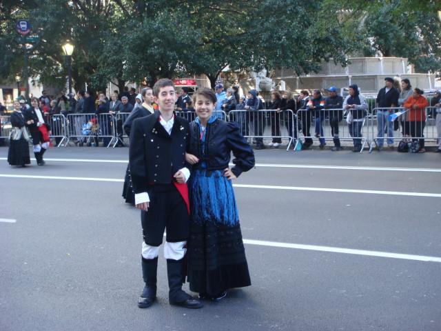 20071014-hispanic-columbus-day-08-period-costumes.jpg