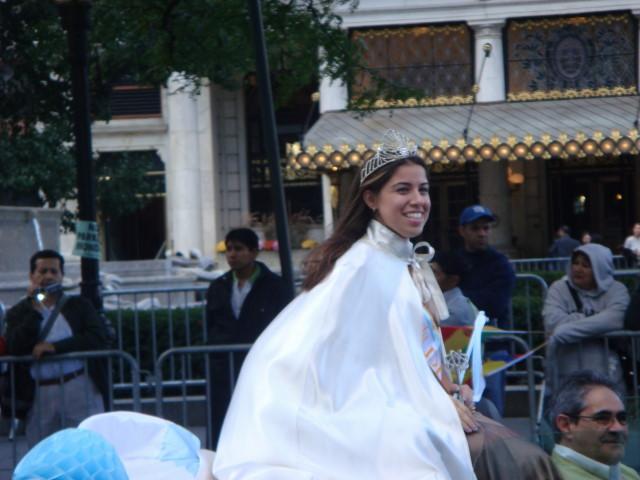 20071014-hispanic-columbus-day-13-argentina-beauty-queen.jpg