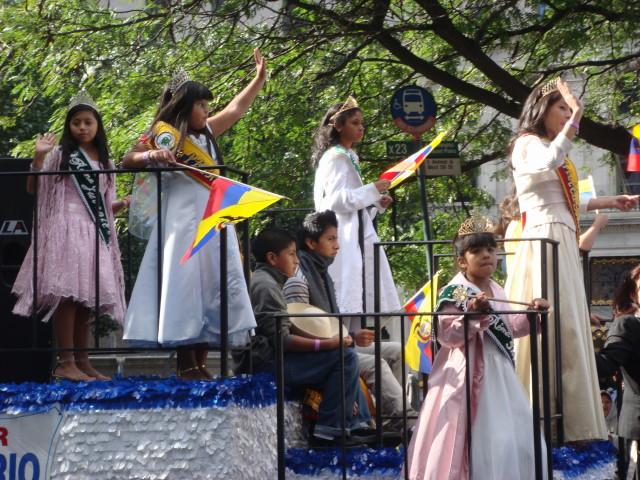 20071014-hispanic-columbus-day-64-young-beauty-queens.jpg