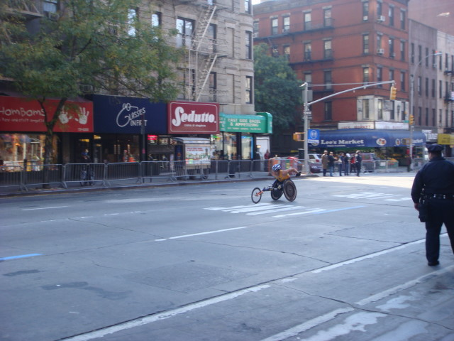 20071104-ny-marathon-01-first-wheelchair-at-1101-am.jpg