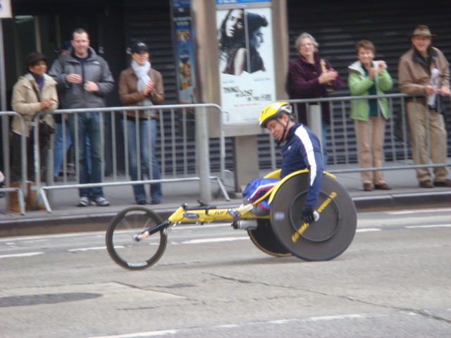 20071104-ny-marathon-54-tired-wheelchair-racer.jpg