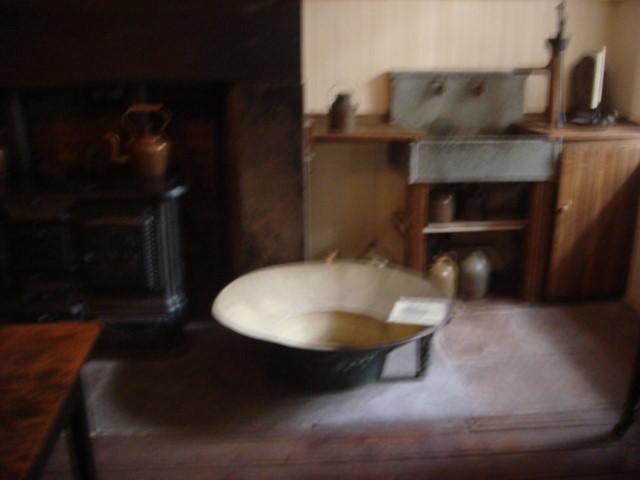 20071110-merchants-house-museum-04-bathtub.jpg