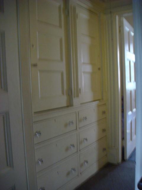 20071110-merchants-house-museum-11-built-in-drawers.jpg