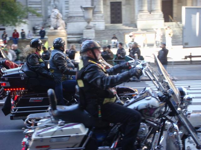 20071111-veterans-day-parade-03-motorcycles.jpg