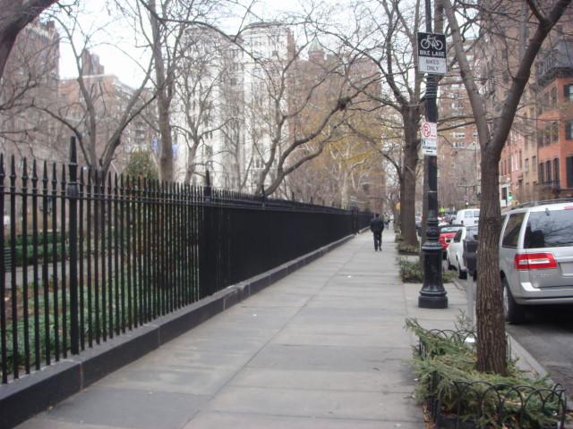 200712122-gramercy-park-08-southern-fenceline.jpg