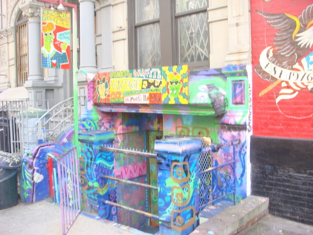 20080113-st-marks-place-graffiti-store.jpg