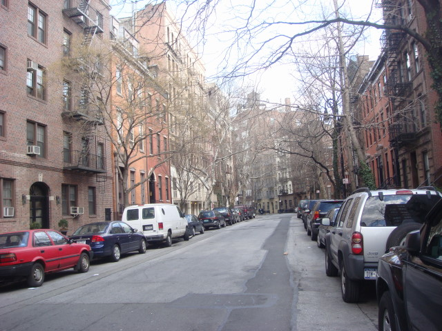 20080315-greenwich-village-morton-street-03.jpg