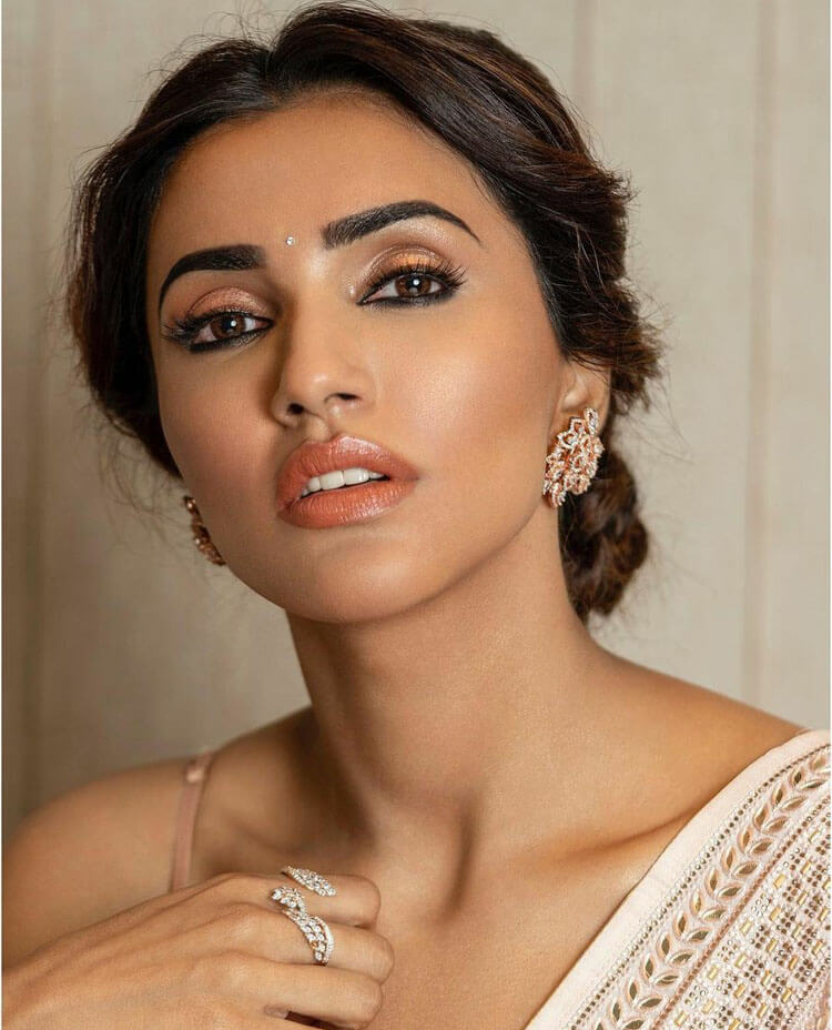 Akshara Gowda Biography