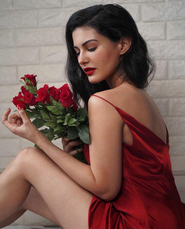 Amyra Dastur Latest Picture