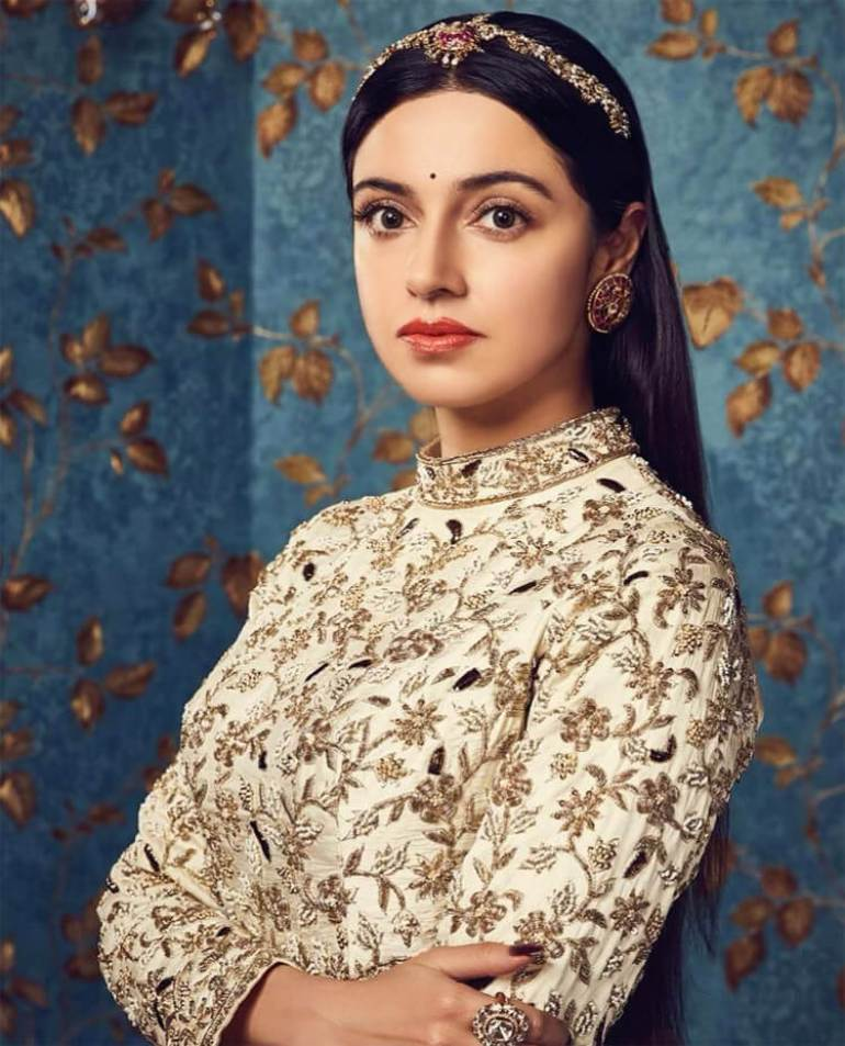 Divya Khosla Kumar Age
