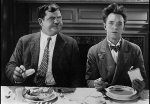 You're Darn Tootin', Stan Laurel and Oliver Hardy eating their final meal at the boarding house,