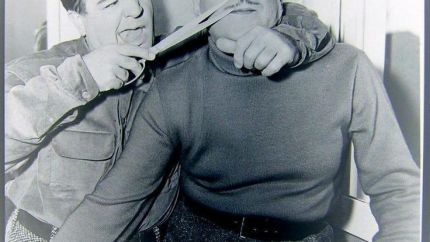 Lou Costello trims Bud Abbott's mustache
