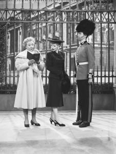 Lucy Meets the Queen - Lucy tries to make a palace guard smile