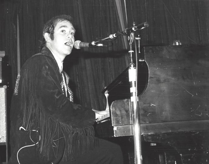 Elton John play at the Pal