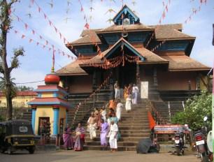 Aaranmula Temple