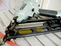 Hitachi 15-gauge Angled Finish Nailer NT65MA4