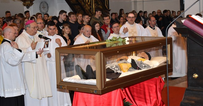 Two Weeks of Pilgrimage of the Relics of St.Vincent: Slovakia