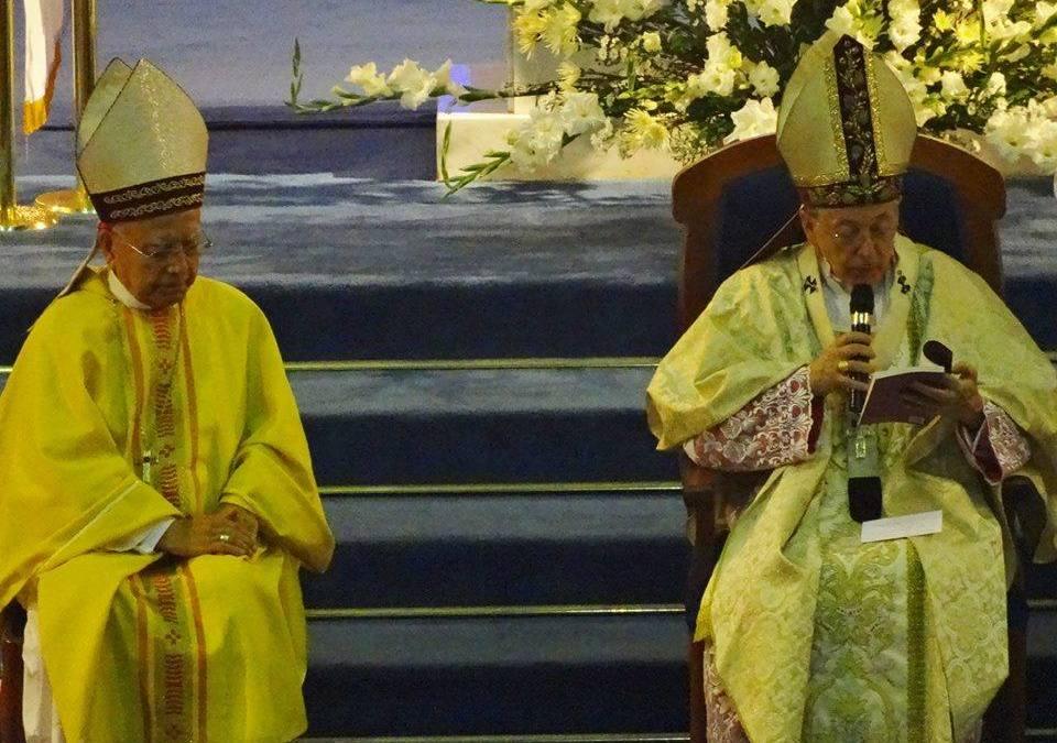Bodas de plata episcopales de Mons. Revoredo, C.M. (Perú)