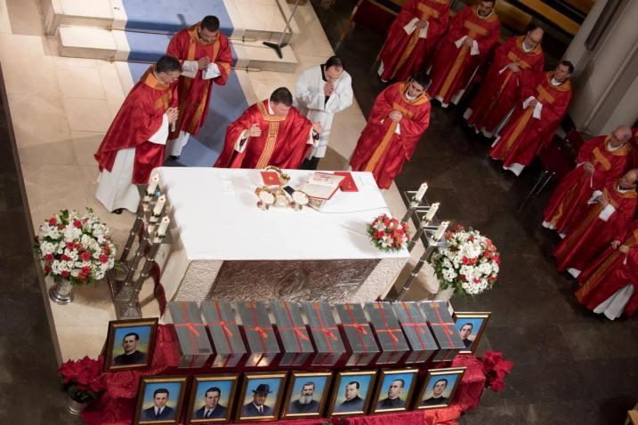 inhumacion martires 01