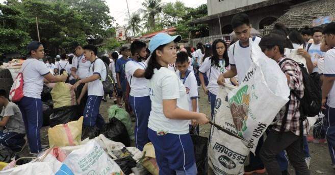 Celebrando el 50 aniversario de la Escuela Santa Luisa de Marillac de Miagao (Filipinas)