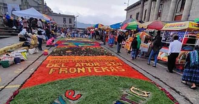 """Festival de alfombras comunidad """"Ave María"""", JMV Xela (Guatemala)"""