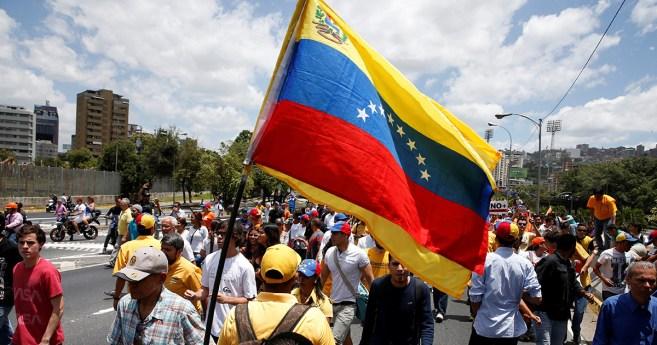 Vénézuéliens: nous sommes avec vous