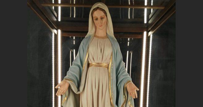Pellegrini con Maria: A 190 anni delle apparizioni della Vergine Maria a Santa Caterina Labouré