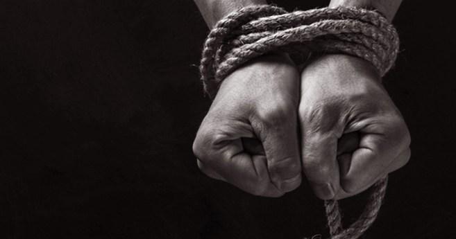 Walka z handlem ludźmi – Co należy robić?