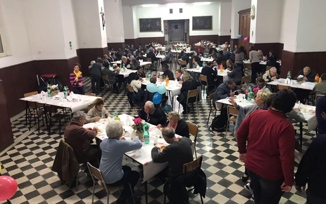 Fotos do almoço pelo Dia Mundial dos Pobres no colégio vicentino em Roma