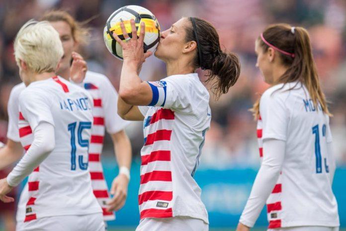USA-Defeats-Mexico-Lloyd-100th-goal