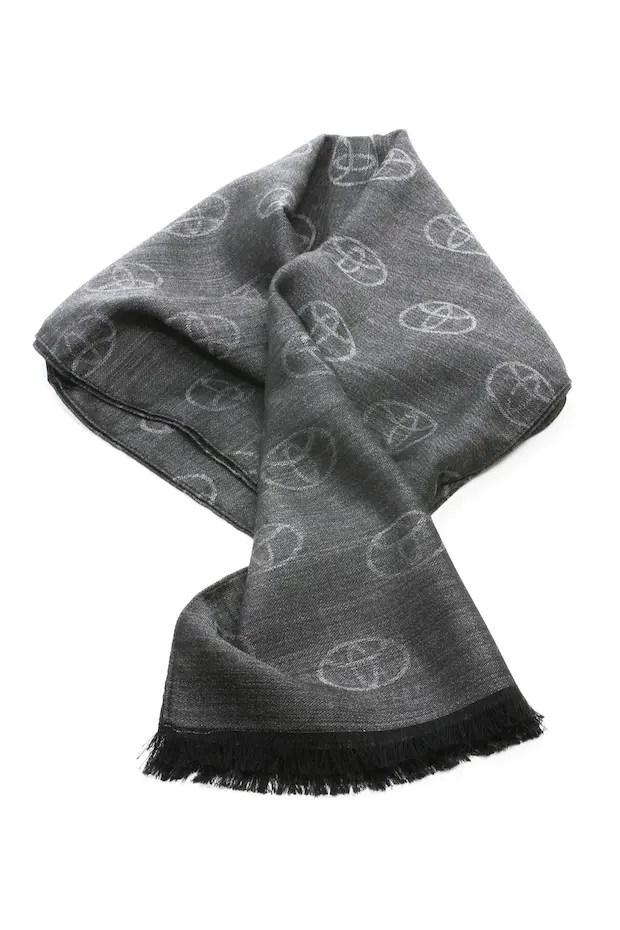 Toyota Schal für die kalte Jahreszeit
