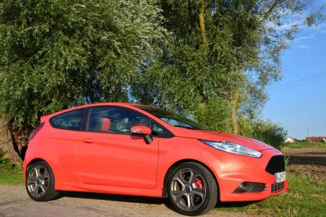 Ford Fiesta ST - Fanaticar