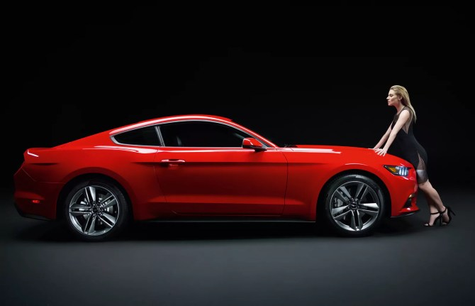 2014 Ford Mustang Fastback - Fanaticar
