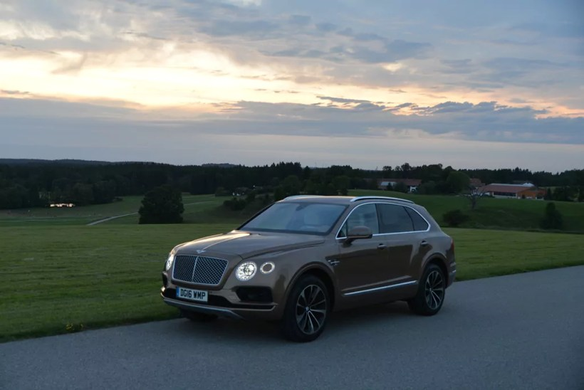 2016 Bentley Bentayga | Fanaticar Magazin