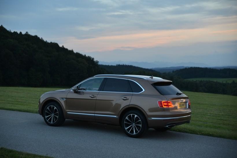 2016 Bentley Bentayga   Fanaticar Magazin